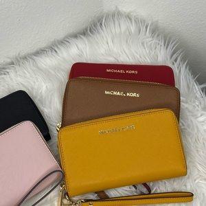 Michael Kors jet set phone holder wallet wristlet
